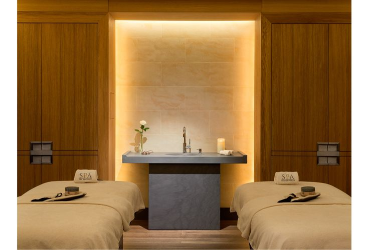 Mankind The Peninsula Spa Paris http://www.vogue.fr/vogue-hommes/beaute/diaporama/mankind-spa-peninsula/21206/image/1113429#!5
