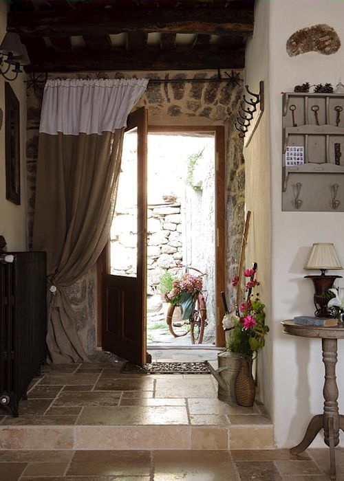 Vicky's Home: Una casa rural que despierta los sentidos / A cottage that awakens the senses: