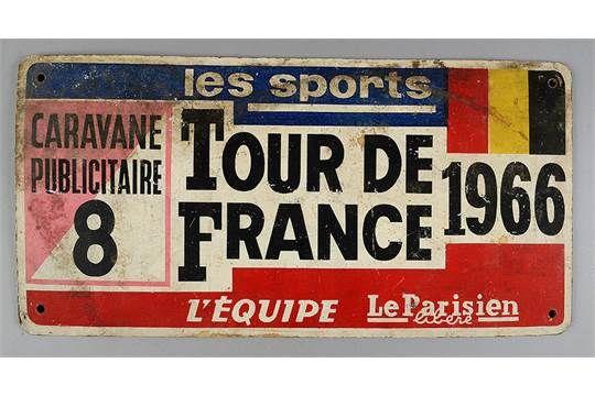 Plaque de véhicule de la caravanne publicitaire du Tour de France 1966. épreuve remportée par Luc