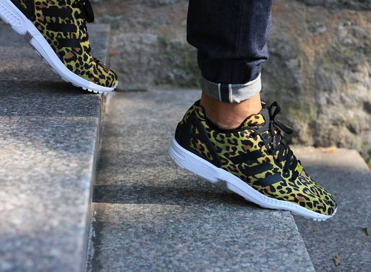 Mens ADIDAS ZX FLUX PLUS Black/Grey/Lime Trainers AQ5886 RRP