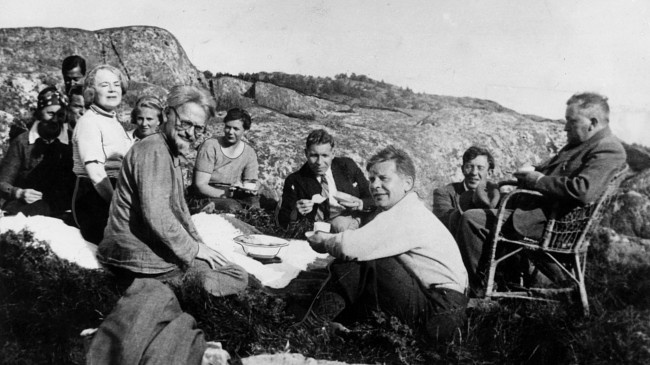 Leon Trotsky with his friends in Buyukada