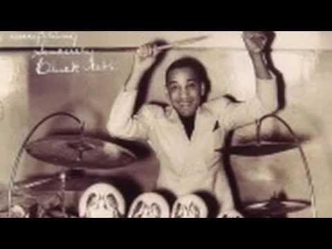 "Chick Webb playing Gladstone ""Hand Sock Cymbals"" – DOG BOTTOM - YouTube"