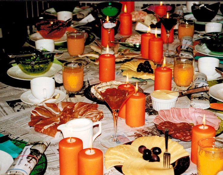 orange spring breakfast table setting  -  http://la-couronne.de/