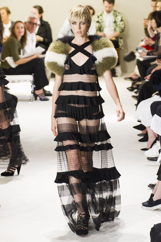 Mode à Paris S/S 2015 SONIA RYKIEL. See all fashion show at: http://www.bookmoda.com/?p=39704 #modeaparis #spring #summer #ss #fashionweek #catwalk #fashionshow #womansfashion #woman #fashion #style #look #collection #paris #soniarykiel @soniarykiel175