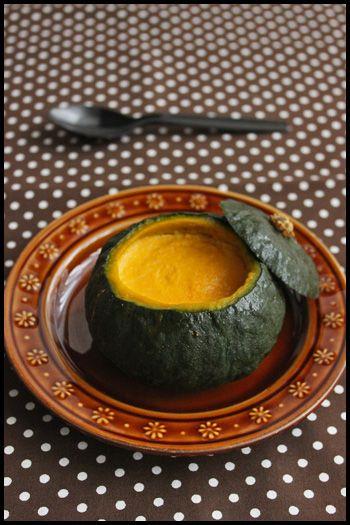 ハロウィンに♪レンジで簡単!坊ちゃんカボチャの丸ごとプリン : ビジュアル系フード