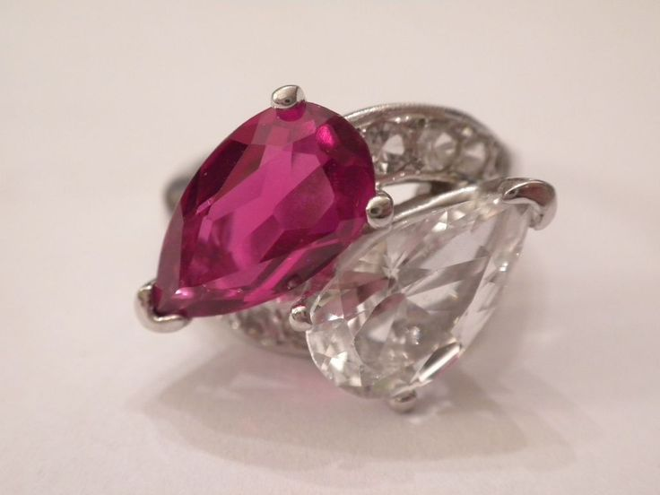 GORGEOUS 1950's Vintage 14kt White Gold Synthetic Ruby COCKTAIL Ring