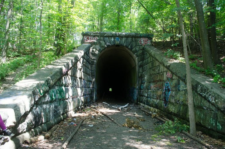 Secret Central Massachusetts: Abandoned Train Tunnel (Clinton Massachusetts) Entry #5