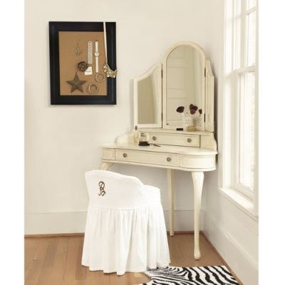 corner vanity. Love the mirror