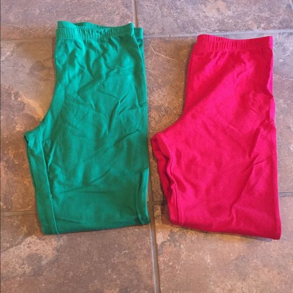 Green and red leggings NWOT size L10/12 Girls Green and red leggings NWOT size L10/12 BOX 8 Bottoms Leggings