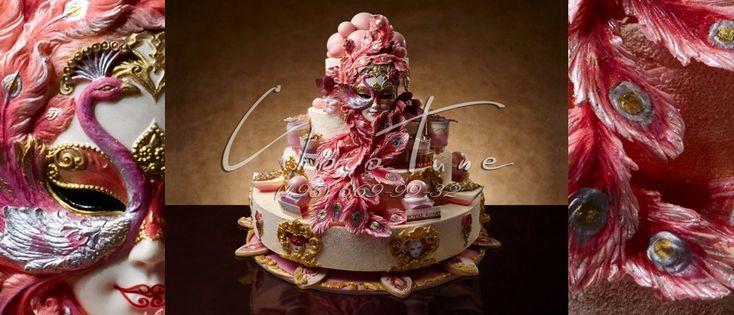 Торт Розовая маска  Фееричный праздничный торт «Розовая маска» от Кондитерского дома ChocoTune. Самые яркие идеи порождаются от самых не значимых для кого то вещей. Наши дизайнеры берут свои идеи из разных отраслей. Это одно и тоже, кода два разных человека смотрят на одну и ту же картину, но кто-то видит обычную картину, а кто-то раскрывая все грани возможностей, видит то, что не дано увидеть другим. Именно такие, талантливые люди работают в нашей команде. Профессионалы, которые любят…