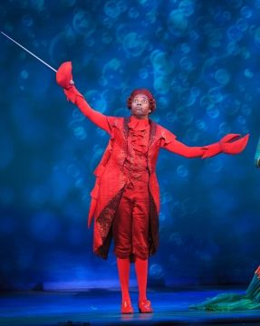 Alan Mingo, Jr. as Sebastian the Crab in <em>Disney\'s The Little Mermaid</em> at Dallas Summer Musicals