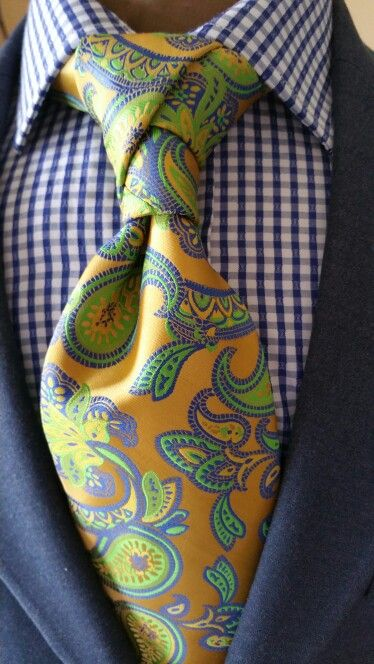 How about this tie pattern and knot combination? #Menswear