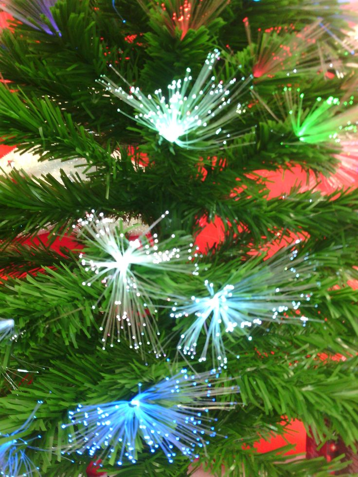 Sapin de #Noël vert en fibre optique.