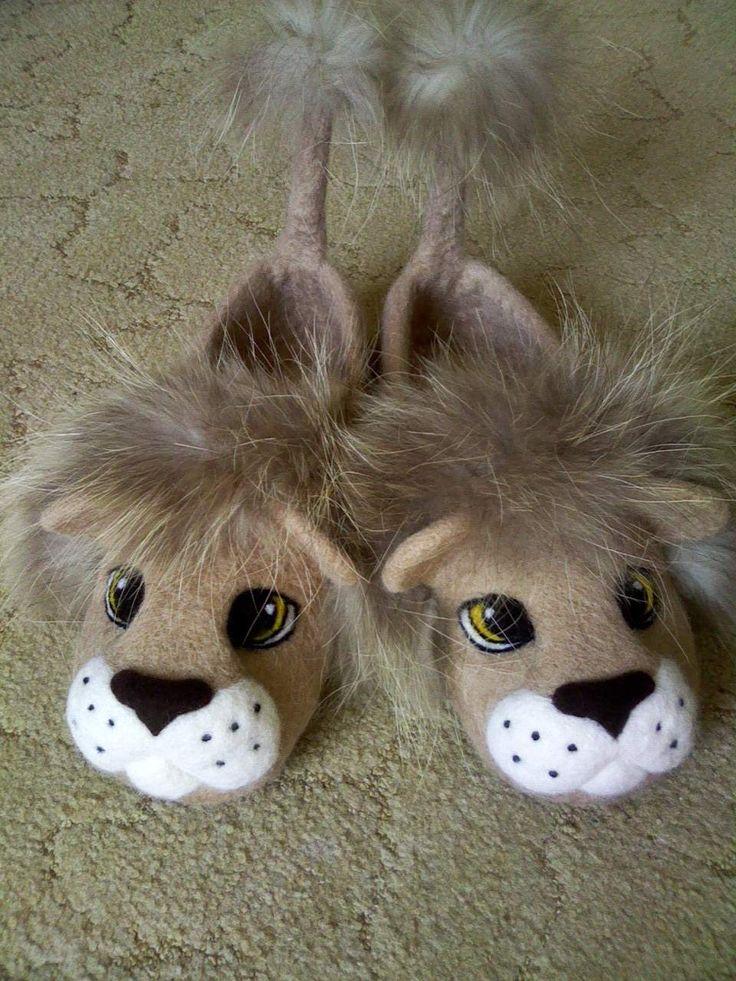 Валяные тапочки Лев