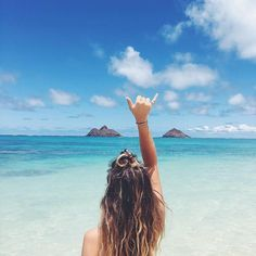Hang loose on the beach. Pinterest: pearlxoxoxo