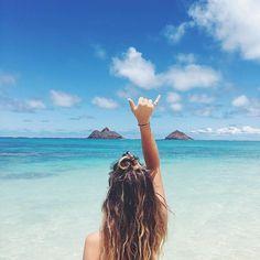 Hang loose on the beach. Pinterest: pearlxoxoxo