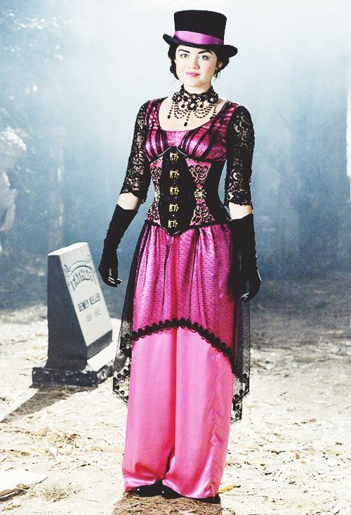 1000+ images about Pretty Little Liars Halloween costumes ... A Pretty Little Liars Costume