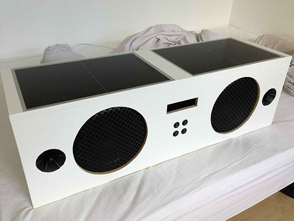 It's called the Boominator, a solar-powered boombox that was designed by diyAudio member Saturnus back in 2007. #technology #music #gadgets #vigorelle
