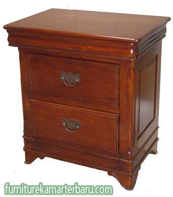 Detail meja nakas jati klasik sesuai dengan namanya produk ini terbuat dari bahan kayu jati serta mempunyai desain yang klasik atau desain kuno tetapi terlihat elegan