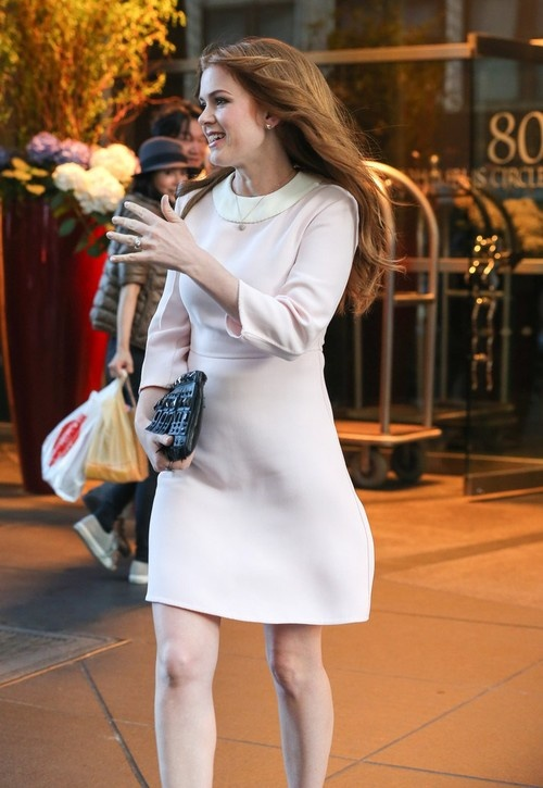 Isla Fisher leaving her Hotel in New York City on April 30, 2013