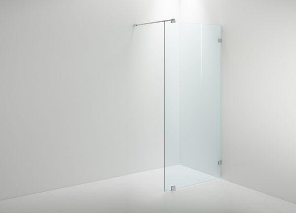 En vacker glasvägg som kan användas både som dusch och rumsavdelare. ARC Modell 20 från INR.