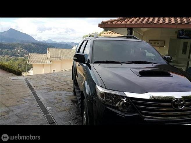 TOYOTA-HILUX SW4-3.0 SRV 4X4 16V TURBO INTERCOOLER DIESEL 4P AUTOMÁTICO