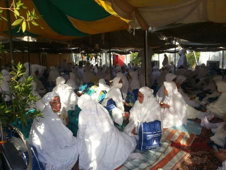 Jemaah haji Malaysia wukuf di Arafah hari ini - http://malaysianreview.com/145473/jemaah-haji-malaysia-wukuf-di-arafah-hari-ini/