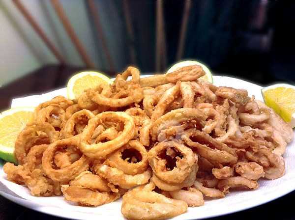 FRIED CALAMARI By Coco de Mama  Check out full recipe of the dish by going to our product product page under the Recipe tab (it's on clearance and will be taken down soon!): http://www.gourmetimportshop.com/Ariosto-PASTELLA-Italian-Batter-CLEARANCE-p/ar07011.htm
