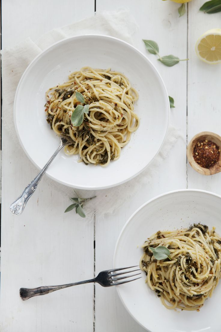 Pasta med gräddig grönkål & citrussås | Det gröna skafferiet