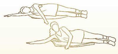 Deitado/a de lado numa superfície plana, estenda um braço no prolongamento do corpo. Apoie a cabeça nesse braço estendido enquanto mantém o outro apoiando-se no chão, à frente do corpo. Empurre o chão com esse braço e eleve o tronco. Faça dez repetições para cada lado, em três sequências, com intervalo de cinco tempos entre cada uma.