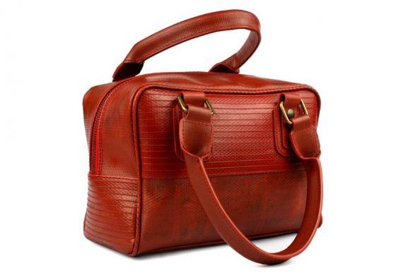 Boxbag | Elvis & Kresse Fire-Hose range made exclusively from genuine de-commissioned British fire brigade hoses.