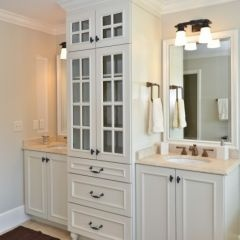 Best 25 jack and jill ideas on pinterest bathroom for Jack and jill bathroom vanity