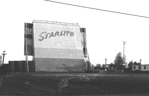 Bay City, Michigan Starlite Drive-In Theatre  Saw Back To The Future in the 80s at this drive-in