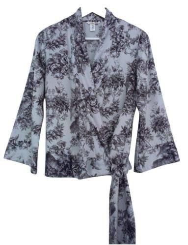 Grijs satijnen kimono wikkeltop, bloemen/Toile de Jouy print €12,50