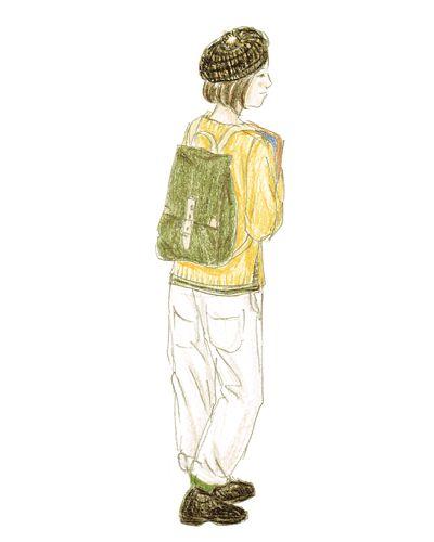 白ヌメ革と帆布のリュックにはきれいな色のニットに白のワークパンツを合わせてフレンチテイストに。アクセントにボーダーのベレーを。