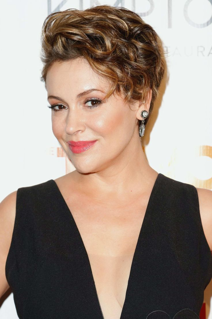 Alyssa Milano Hairstyles Celebrity Babies In 2020 Alyssa Milano Hair Short Hair Styles Hair Styles