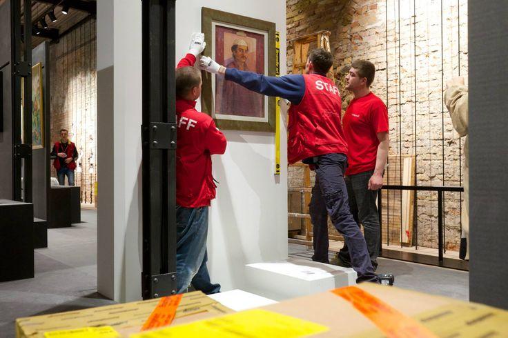 Accrochage di opere d'arte http://tosettoallestimenti.com/fine-art-transport-installazioni/