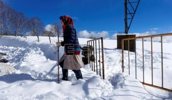 Frío, viento y lluvia ponen en alerta a 26 provincias y nevará en Canarias #tiempo #meteorologia #AlertaPorTormentas