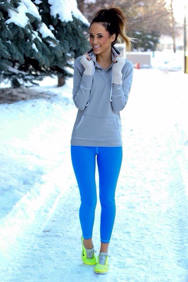 Totally something I would wear. Love these colors together.