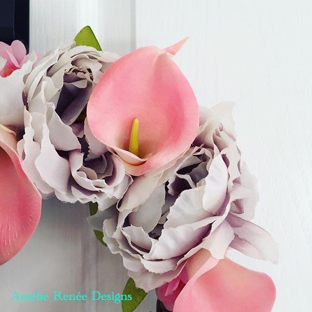 Sneak peek at a peony and Calla Lily wreath for a customer. #welcomewreath #frontdoorwreath #peonies #callalily #monogramwreath #wip #sneakpeek #floraldesign #wreather #ukbusiness #supporthandmade #handmade #instalove #instaflower #handmadeintheuk #hmuk #britishcrafter #stotfold #willowwreath #ameliereneedesigns