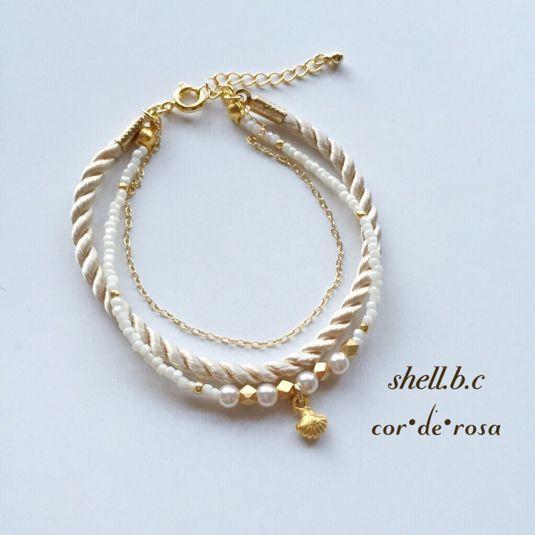 ハンドメイドマーケット minne(ミンネ)  再販** 〜shell bracelet 〜シェルの三連ブレスレット