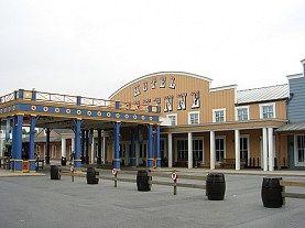 Oferta Speciala Black Friday! Disneyland Paris VARA 2014 - Hotel Cheyenne 2* - Reducere 30%
