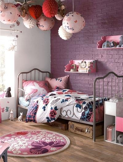 plafond dcoration malle rangement lit