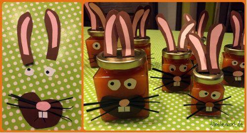Selbstgemachte Möhren-Marmelade ist ein schönes Geschenk aus der Küche zu Ostern, die mit unserem Rezept garantiert gelingt. Ihr könnt auch (mit euren Kindern) basteln und sie in Osterhasen verwandeln. Hier geht es zu Rezept und Download unserer Bastelvorlage:  http://www.familienkost.de/rezept_fruchtige_moehren-marmelade.html