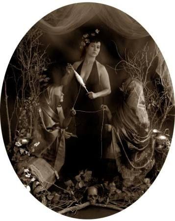 Las Moiras: Imágenes modernas del mito   Kunstelar