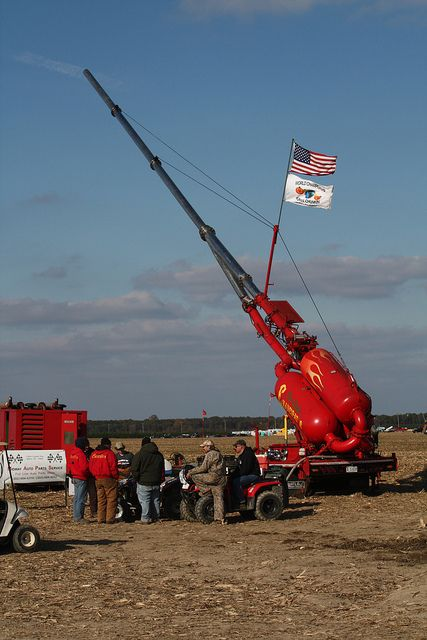 Punkin Chunkin - high-speed pumpkins in Delaware are a feat of engineering #STEM #catapults