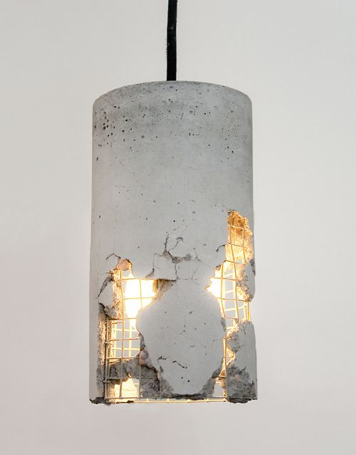 Love this concrete light! So industrial and rustic!!!