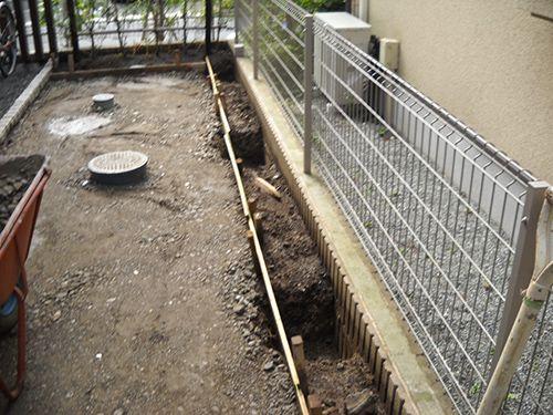 施工例でご紹介。樹脂フェンス「アルファウッド」|グリーンケア