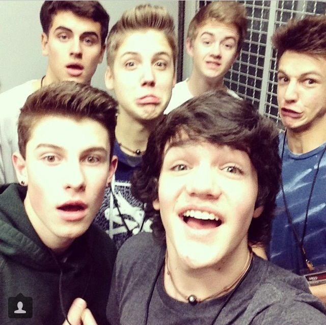 Shawn Mendes, Jack Johnson, Jack Gilinsky, Cameron Dallas, Matthew Espinosa, Aaron Carpenter