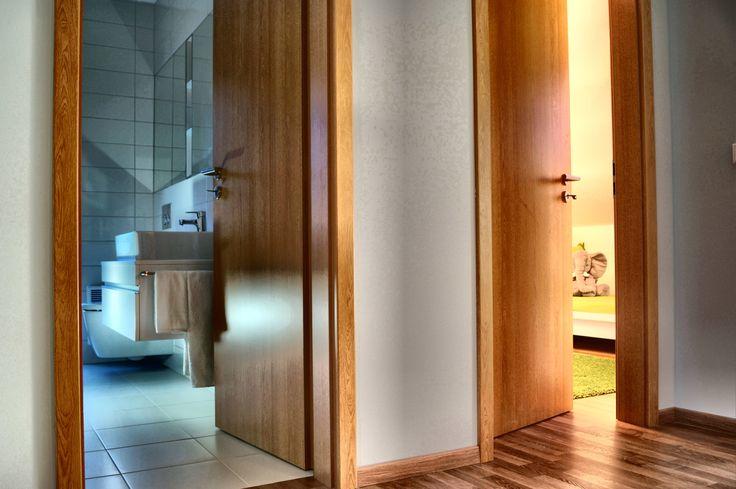 Dřevěné dveře v novostavbě